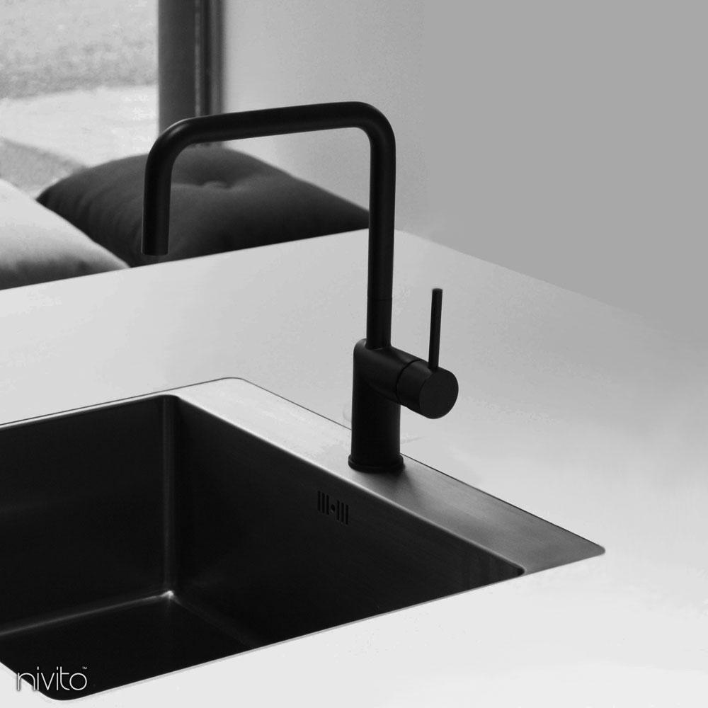 Rubinetto cucina nero